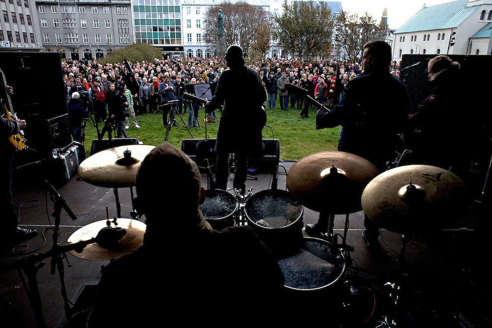 Iceland Crisis, October 8, 2008 ..In the center of Reykjavik, a crowd has gathered for a concert by Bubbi and to show unity and protest the financial turmoil and the savings disappeared..
