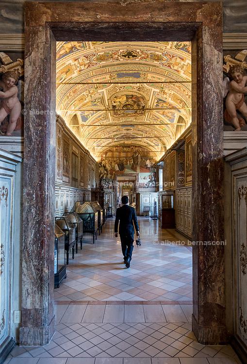 Rome, Vatican Museums, Globe room