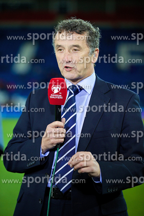 13.10.2014, City Stadium, Cardiff, WAL, UEFA Euro Qualifikation, Wales vs Zypern, Gruppe B, im Bild Former Wales player Barry Horne // 15054000 during the UEFA EURO 2016 Qualifier group B match between Wales and Cyprus at the City Stadium in Cardiff, Wales on 2014/10/13. EXPA Pictures &copy; 2014, PhotoCredit: EXPA/ Propagandaphoto/ David Rawcliffe<br /> <br /> *****ATTENTION - OUT of ENG, GBR*****