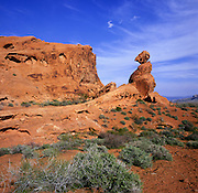 BB02642-02...NEVADA - Red sandstone and a pillar in the Valley of Fire State Park.