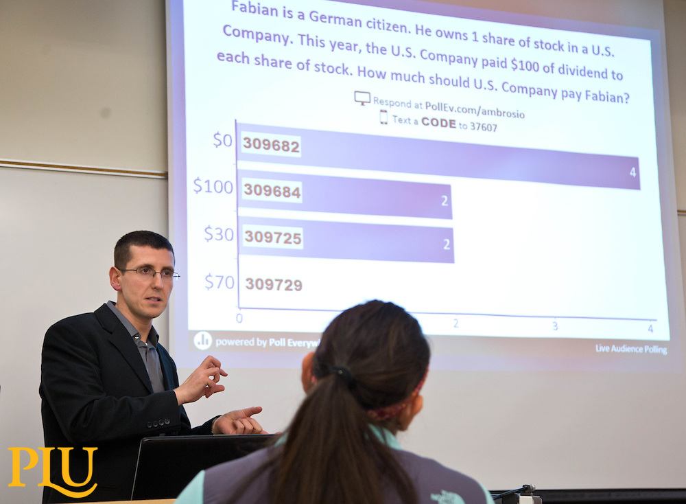 Fabio Ambrosio's accounting class in Morken Center at PLU on Tuesday, Dec. 9, 2014. (Photo/John Froschauer)