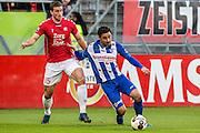 UTRECHT - FC Utrecht - SC Heerenveen , Voetbal , Eredivisie , Seizoen 2016/2017 , Stadion Galgenwaard , 05-02-2017 ,   FC Utrecht speler Robin van der Meer (l) in duel met SC Heerenveen speler Reza Ghoochannejhad (r)