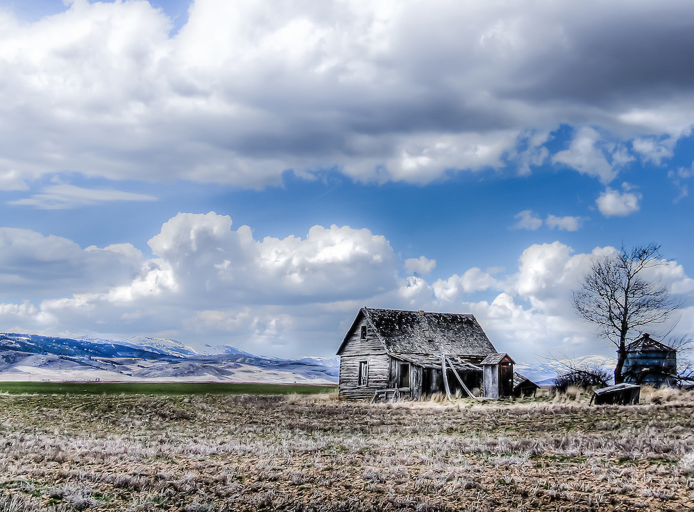 Cabin On The Old Oregon Trail As It Passes Through The Rocky Mountains