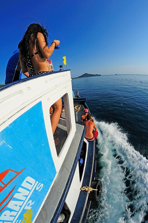 Divers at Hin Wong Bay, Dive Trip with Coral Grand Dive Center, Koh Tao, Thailand