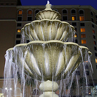 USA, Florida, Orlando. Fountain at Rosen Shingle Creek Resort.