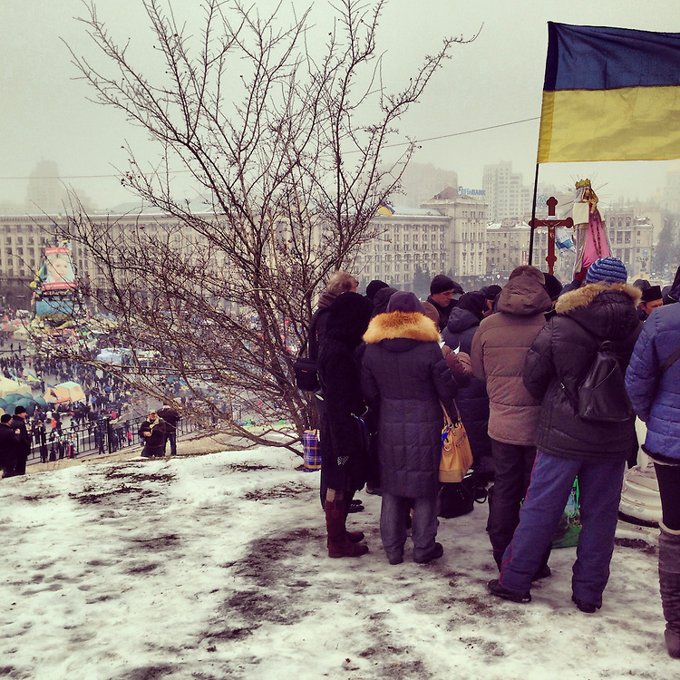 A slushy religious service overlooking the Maidan, Dec. 13, 2013. #kiev #ukraine #київ #україна #євромайдан #euromaidan #primecollective