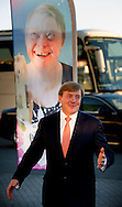 5-9-2016 AMSTERDAM - King William Alexander attends Monday September 5 at Ziggo Dome in Amsterdam jubilee concert by the 50-year Jostiband Orchestra. The orchestra is part of Ipse de Bruggen, an organization caring for 5,000 people with intellectual or multiple disabilities. COPYRIGHT ROBIN UTRECHT<br /> 5-9-2016 AMSTERDAM - Koning Willem Alexander woont maandagavond 5 september in Ziggo Dome in Amsterdam het jubileumconcert bij van het 50-jarige Jostiband Orkest. Het orkest is onderdeel van Ipse de Bruggen, een zorgorganisatie voor 5.000 mensen met een verstandelijke of meervoudige beperking. COPYRIGHT ROBIN UTRECHT