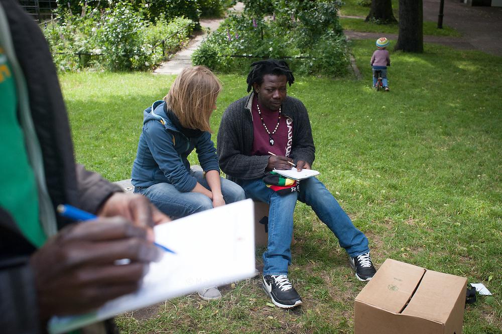 Flüchtlinge aus Libyen , (Park Fiction)