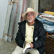 Poet Francisco Morales  at studio Alvaro Blancarte in Tecate, Mexico...© Stefan Falke.http://www.stefanfalke.com/..