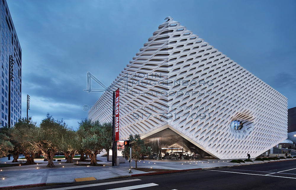 An image of the broad museum in downtown los angeles for La architecture