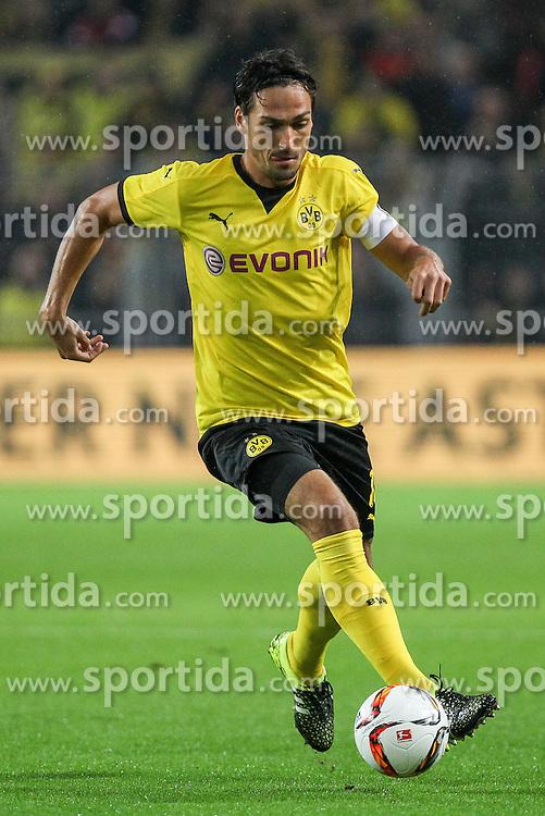 27.08.2015, Signal Iduna Park, Dortmund, GER, UEFA Euro Qualifikation, Borussia Dortmund vs Odd Grenland, Playoff, R&uuml;ckspiel, im Bild Kapitaen Mats Hummels (Borussia Dortmund #15) // during UEFA Europa League Playoff 2nd Leg match between Borussia Dortmund and Odd Grenland at Signal Iduna Park in Dortmund, Germany on 2015/08/27. EXPA Pictures &copy; 2015, PhotoCredit: EXPA/ Eibner-Pressefoto/ Schueler<br /> <br /> *****ATTENTION - OUT of GER*****