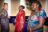 DEN HAAG - Prinses Mabel, minister Lilianne Ploumen voor Buitenlandse Handel en prinses Viktoria (VLNR) tijdens de bijeenkomst over kindhuwelijken. Den Haag Prinses Mabel en Prinses Vikt&oacute;ria de Bourbon de Parme bijwonen van de expertmeeting over kinderhuwelijken, georganiseerd door Save the Children in Den Haag.<br /> Door de preventie van Child Marriage Call in 2014, kreeg vier Nederlandse allianties financiering van bestaande programma's voor preventie van Child Marriage versterken voor 1 jaar. COPYRIGHT ROBIN UTRECHT THE HAGUE  - The Hague Princess Mabel and Princess Vikt&oacute;ria de Bourbon de Parme attend the expert meeting on child marriage, organized by Save the Children in The Hague.<br /> Through the Prevention of Child Marriage Call in 2014, four Dutch alliances received funding to strengthen existing programmes on prevention of Child Marriage for 1 year. COPYRIGHT ROBIN UTRECHT