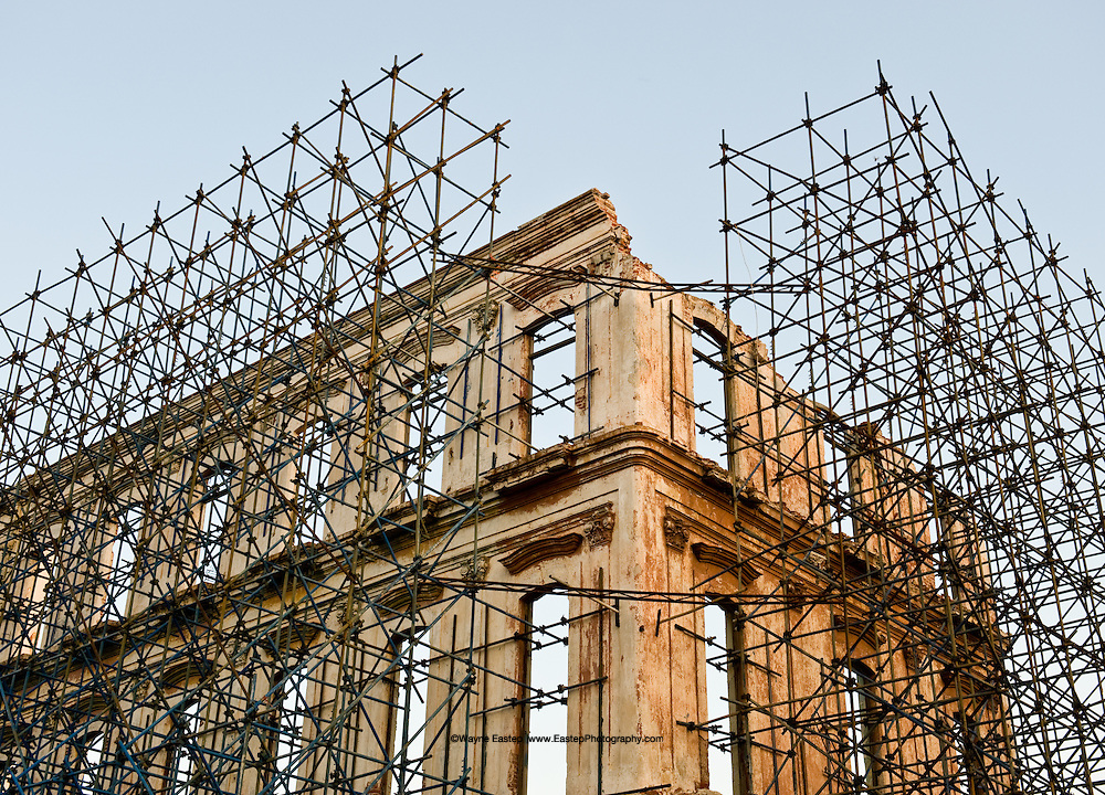 The impressive restoration which has taken place in Historic Old Havana is now underway along the Prado.