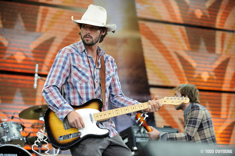 Ryan Bingham and the Dead Horses performing at the 2009 Farm Aid benefit in St. Louis, Missouri