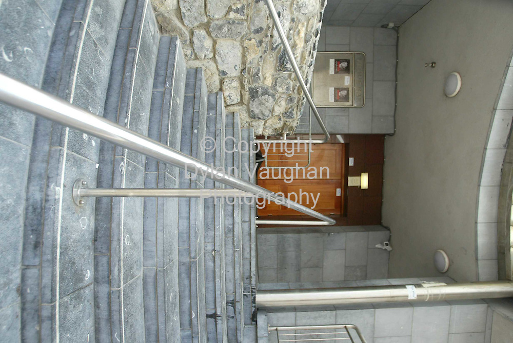 10/6/04..The enterance to the Venue in Kilkenny at the Ormonde Hotel...Picture Dylans