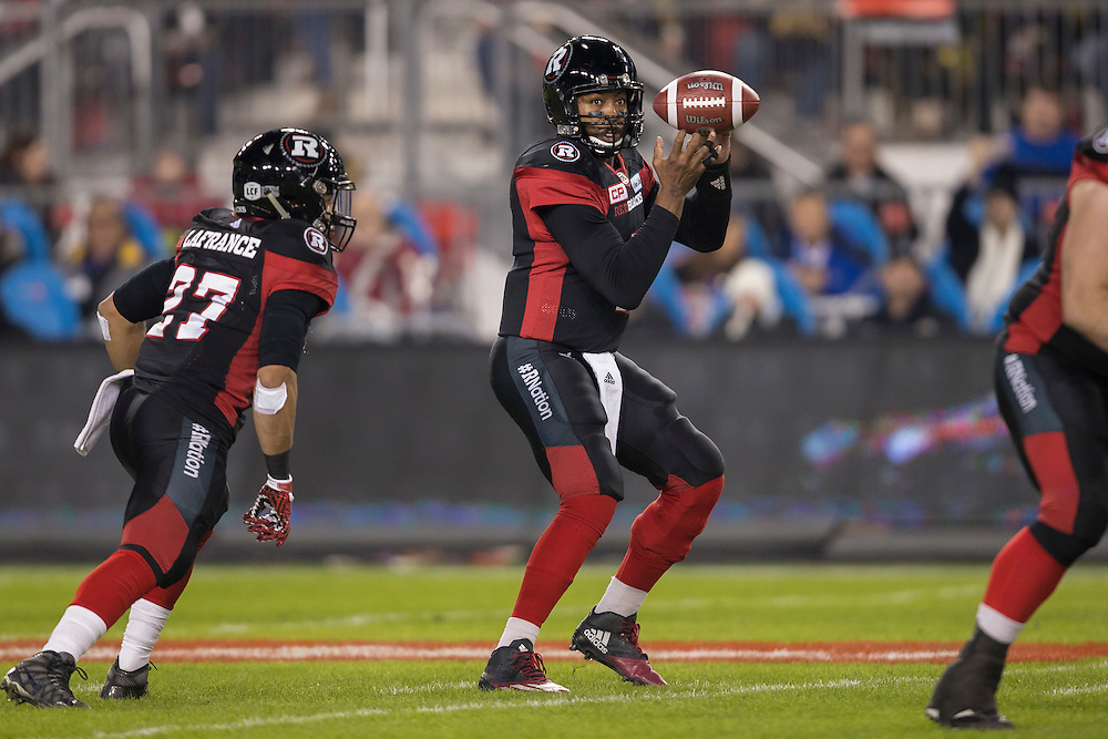 Ottawa Redblacks quarterback Henry Burris prepares to throw the ball during the first quarter of the 104th Grey Cup Final game against the Calgary Stampeders in Toronto Ontario, Sunday,  November 27, 2016.  (CFL PHOTO - Geoff Robins)
