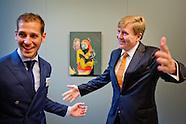 Koning Willem Alexander reikt Koninklijke Prijs voor Vrije Schilderkunst 2014 uit