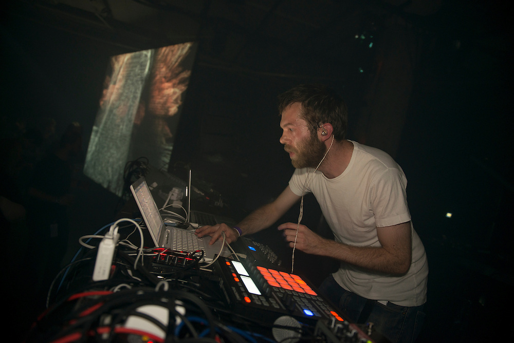 Alex Smoke presents Wraetlic (UK), Nocturne 5, Post-Romantique, Société des arts technologiques [SAT], 3 juin 2012.