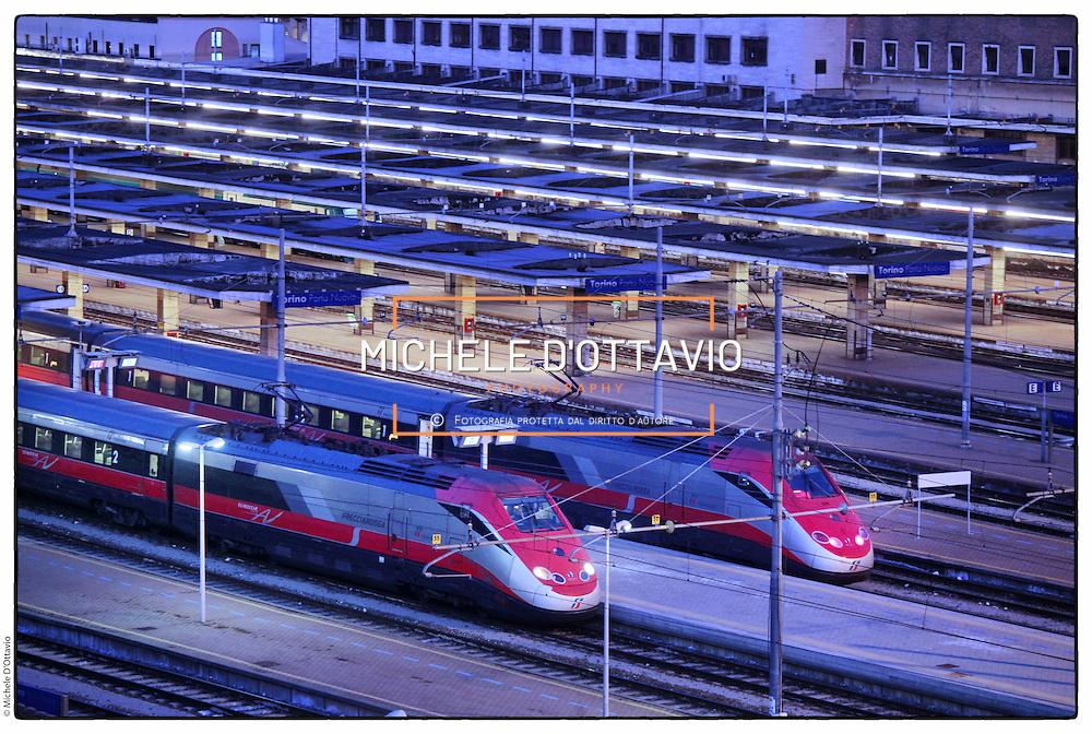 La stazione Porta Nuova è il principale scalo ferroviario della città di Torino, The Porta Nuova railway station is the main railway yard in the city of Turin.