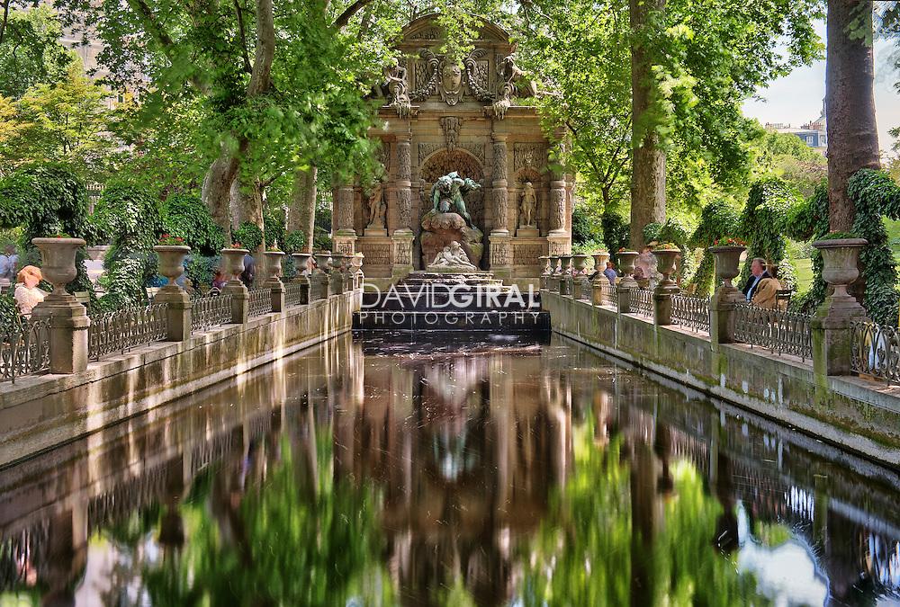 Fountain medicis fontaine jardins du luxembourg garden for Les jardins de villa paris