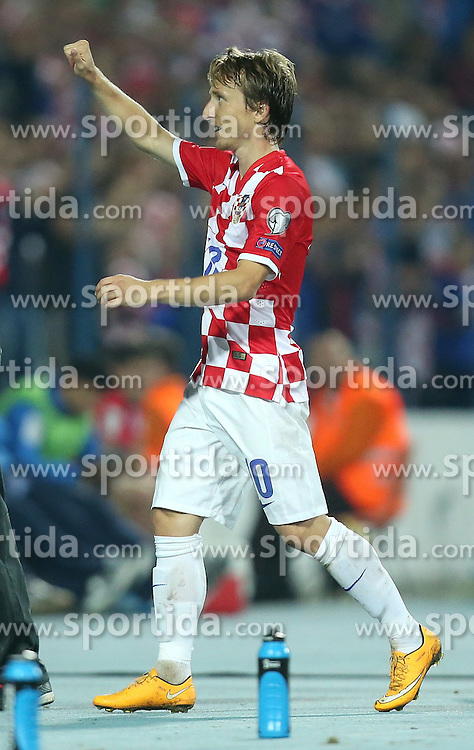 13.10.2014, Stadion Gradski vrt, Osijek, CRO, UEFA Euro Qualifikation, Kroatien vs Aserbaidschan, Gruppe H, im Bild Luka Modric // during the UEFA EURO 2016 Qualifier group H match between Croatia and Azerbaijan at the Stadion Gradski vrt in Osijek, Croatia on 2014/10/13. EXPA Pictures &copy; 2014, PhotoCredit: EXPA/ Pixsell/ Igor Kralj<br /> <br /> *****ATTENTION - for AUT, SLO, SUI, SWE, ITA, FRA only*****