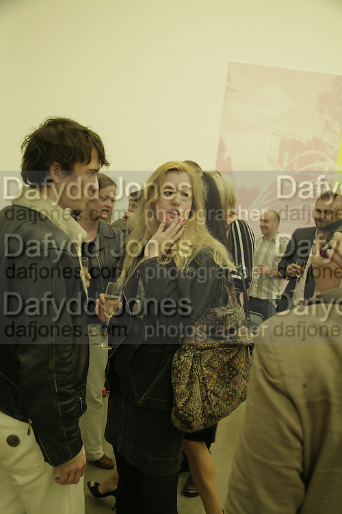 Jackson Boxer and Phillipa Horan, Johnnie Shand Kydd:  book launch party celebrate the publication of Crash.White Cube. Hoxton sq. London. 18 September 2006. ONE TIME USE ONLY - DO NOT ARCHIVE  © Copyright Photograph by Dafydd Jones 66 Stockwell Park Rd. London SW9 0DA Tel 020 7733 0108 www.dafjones.com