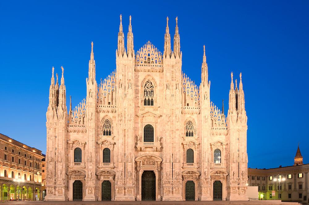 Europe, Italy, Lombardy, Milan, Night, beautiful, color,Duomo, church