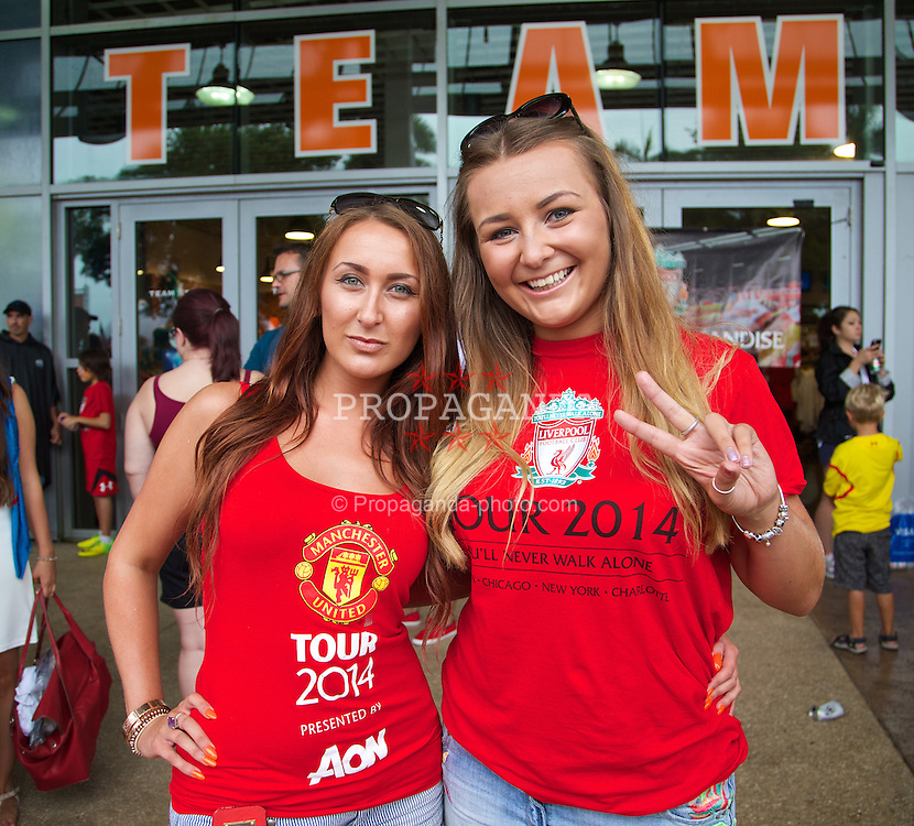 MIAMI, USA - Monday, August 4, 2014: Liverpool and Manchester United supporters outside the stadium before the International Champions Cup Final match between Liverpool and Manchester United at the SunLife Stadium on day fifteen of the club's USA Tour. (Pic by David Rawcliffe/Propaganda)