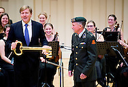 EDE - King Willem-Alexander opens Friday January 23, 2015 in Ede Akoesticum, a national training center for performing arts. The center caters for amateurs and professionals in music, dance and theater. COPYRIGHT ROBIN UTRECHT<br /> EDE - Koning Willem-Alexander opent vrijdagmiddag 23 januari 2015 in Ede Akoesticum, een nationaal trainingscentrum voor podiumkunsten. Het centrum biedt ruimte aan amateurs en professionals in muziek, dans en theater.  COPYRIGHT ROBIN UTRECHT