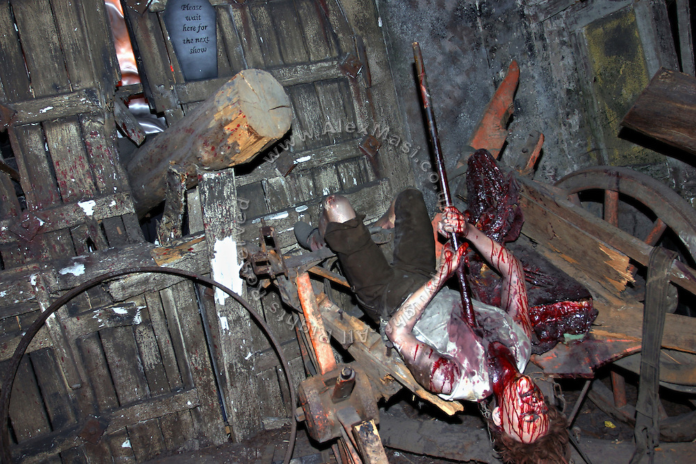 One of the numerous gory manikins on display at the London Dungeon, England, on Thursday, Oct. 12, 2006. The London Dungeon is a live theatre attraction where visitors are taken by the actors through different areas featuring the darkest parts of British history. Some of the more than 40 exhibits include 'The Great Fire of London', 'Jack the Ripper', 'Judgement Day', 'The Torture Chamber', 'Henry VIII', 'The Tower of London' and 'The French Revolution'. In 2003 a new part opened focused on the Great Plague of 1665.   **Italy Out**..