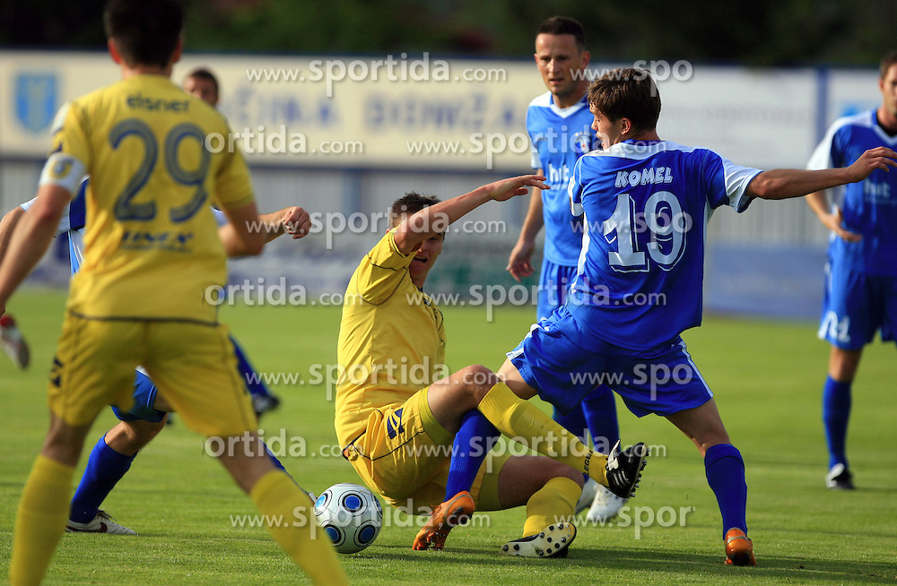Jovan Vidovic vs Sebastjan Komel of Gorica at 32th Round of Slovenian First League football match between NK Domzale and NK Hit Gorica in Sports park Domzale, on May 6, 2009, in Domzale, Slovenia. Gorica won 2:0. (Photo by Vid Ponikvar / Sportida)