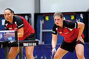 OSS - Tafeltennis, SKF - FVT, Promotiewedstrijd naar eredivisie 11-12-2011, Brenda Vonk (l) Charell Schoonbrood (r)
