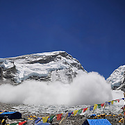 A massive avalanche rains down across the Khumbu Icefall on Mount Everest, Nepal, on May 7, 2009. The second such avalanche in one week, this one killed Lhapka Nuru Sherpa.<br /> <br /> To see the fullsize interactive panorama, please visit: http://www.gigapan.com/gigapans/152792.