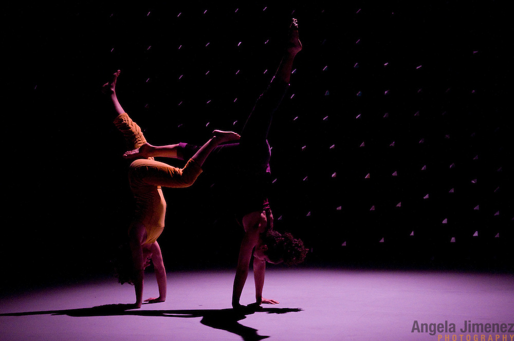 """The LAVA dance company, featuring performers Rose Calucchia, Molly Chanoff, Diana Y Greiner, Lollo, Allison Schnur and Amy Dawn Verebay perform their show """"We Become"""" in a dress rehearsal at the Brooklyn Lyceum in Brooklyn on February 11, 2009. ..photo by Angela Jimenez for LAVA"""