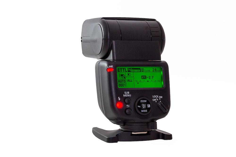 Canon Speedlite 430EX III-RT Flash Unit lighted green
