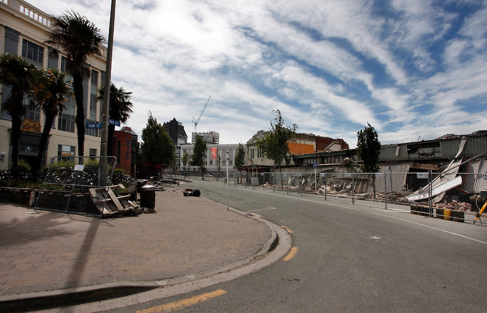 Corner of Tuam and High Streets, Alice in Videoland building on left, showing earthquake damage, Christchurch, New Zealand, Friday, February 09, 2012.  Credit:SNPA / Pam Johnson