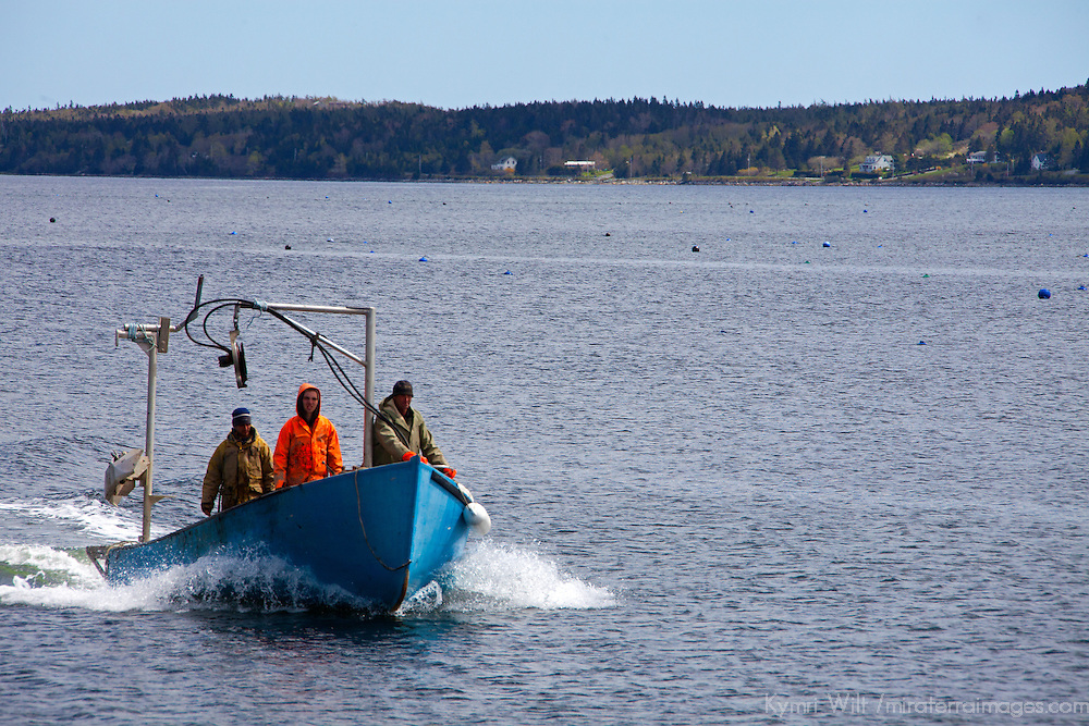 North America, Canada, Nova Scotia, Ship Harbour. Fishing Boat bringing in the fresh mussel harvest at Ship Harbour.