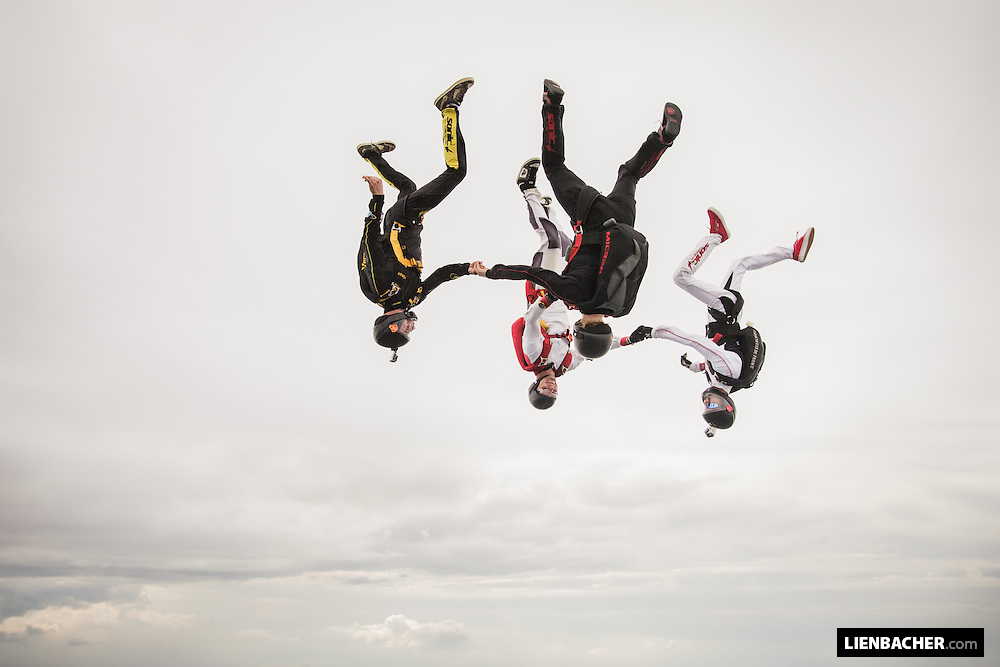 "4 skydivers flying a freefly figure called ""compressed"" over klatovy"