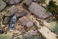 Guna Yala es una comarca ind&iacute;gena en Panam&aacute;, habitada por la etnia Guna. Antiguamente la comarca se llamaba San Blas hasta 19982 y como Kuna Yala hasta 2010. Su capital es El Porvenir. Limita al norte con el Mar Caribe, al sur con la provincia de Dari&eacute;n y la comarca Ember&aacute; Wounnan, al este con Colombia y al oeste con la provincia de Col&oacute;n.<br /> <br /> La Comarca de Guna Yala posee un &aacute;rea de 2,306 km&sup2; . Consiste en una franja estrecha de tierra de 373 km de largo en la costa este del Caribe paname&ntilde;o, bordeando la provincia de Dari&eacute;n y Colombia. Un archipi&eacute;lago de 365 islas rodean la costa, de las cuales 36 est&aacute;n habitadas.<br /> <br /> Guna Yala en lengua guna significa &quot;Tierra Guna&quot; o &quot;Monta&ntilde;a Guna&quot;.<br /> <br /> &copy;Alejandro Balaguer/Fundaci&oacute;n Albatros Media.