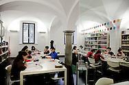 PISA. STUDENTI ALL'INTERNO DELLA BIBLIOTECA DI FILOSOFIA E STORIA DELL'UNIVERSITA' DI PISA