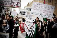 ROMA. UN GRUPPO DI MANIFESTANTI AL CORTEO CONTRO LA GUERRA IN PALESTINA; ROME. A GROUP OF PROTESTERS AGAINST THE WAR IN THE PARADE PALESTINE