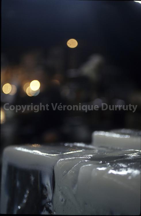 ICE CUBES IN THE BIG FISH MARKET OF TOKYO, JAPAN ( Tsujiki )