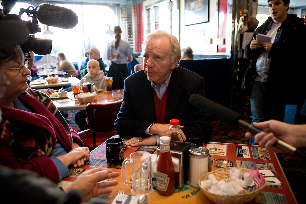 Sen. Joe Lieberman (I-Conn.) sits at a diner campaigning for Sen. John McCain (R-AZ) in Derry, N.H., on Wednesday, Jan. 2, 2008.