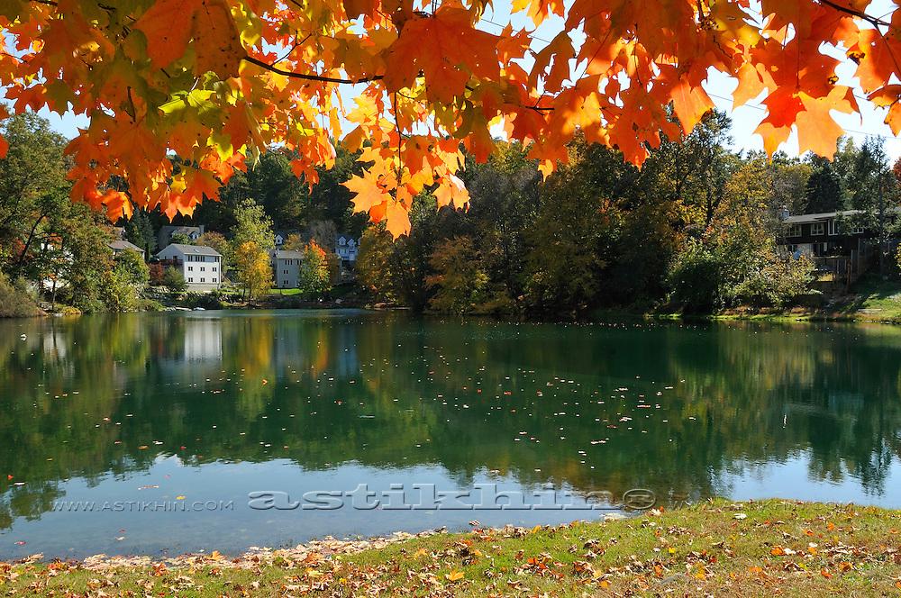 Fall in Sloatsburg. Pine Grove Lake.