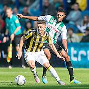 ARNHEM - Vitesse - FC Groningen , Voetbal , Eredivisie, Seizoen 2015/2016 , Gelredome , 03-10-2015 , FC Groningen speler Abel Tamata (r) in duel met Vitesse speler Milot Rashica (l)