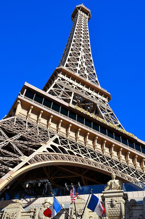 paris hotel eiffel tower replica in las vegas nevada the eiffel tower