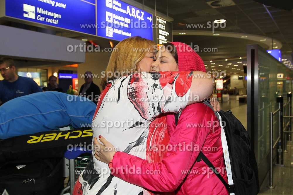 14.02.2014, Fraport, Fankfurt, GER, Sochi, 2014, Ankunft, im Bild Olympiasiegerin Carina Vogt begruesst Mutter Iris Vogt, // during the Arrival of Olympic Skijumping Champion Carina Vogt at the Fraport in Fankfurt, Germany on 2014/02/14. EXPA Pictures &copy; 2014, PhotoCredit: EXPA/ Eibner-Pressefoto/ RRZ<br /> <br /> *****ATTENTION - OUT of GER*****