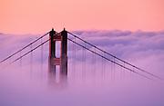 Image of the Golden Gate Bridge in San Francisco, California, America west coast