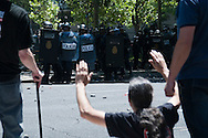 The marchers held a rally from the Plaza de Colon to the industry ministry. Was scheduled to be held in a peaceful part of the organization. But acts of &quot;black march&quot; ended violently. A group of demonstrators confronted the police.<br /> The skirmishes lasted for 2 hours.The results were 76 wounded and 8 arrested.