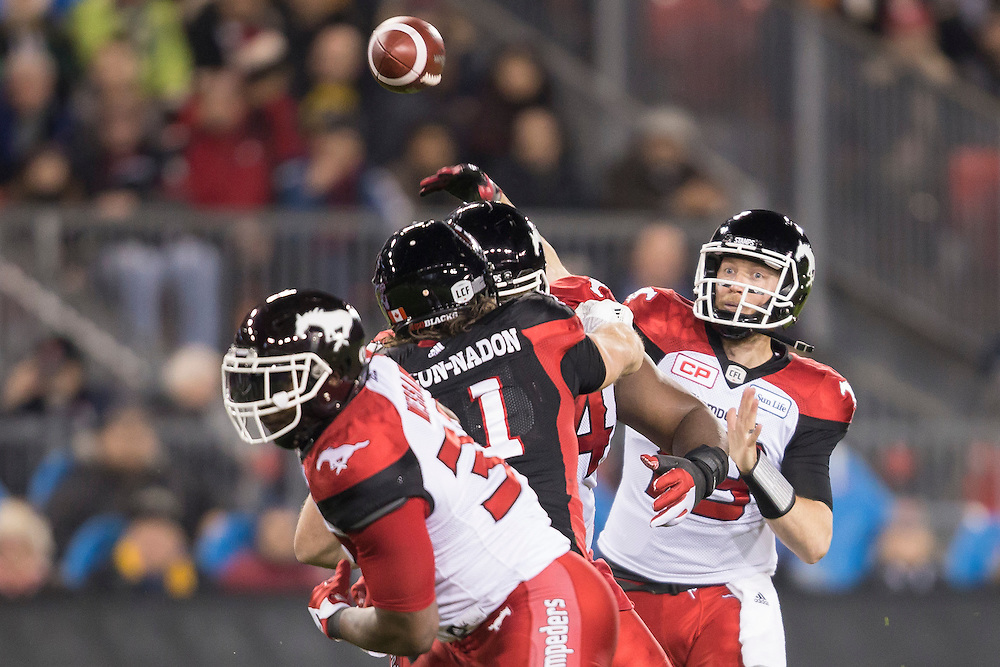 Calgary Stampeders quarterback Bo Levi Mitchell throws the ball during the 1st quarter of the 104th Grey Cup against the Ottawa Redblacks in Toronto Ontario, Sunday,  November 27, 2016.  (CFL PHOTO - Geoff Robins)